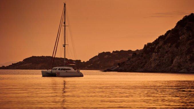 Köp segelbåt i Medelhavet